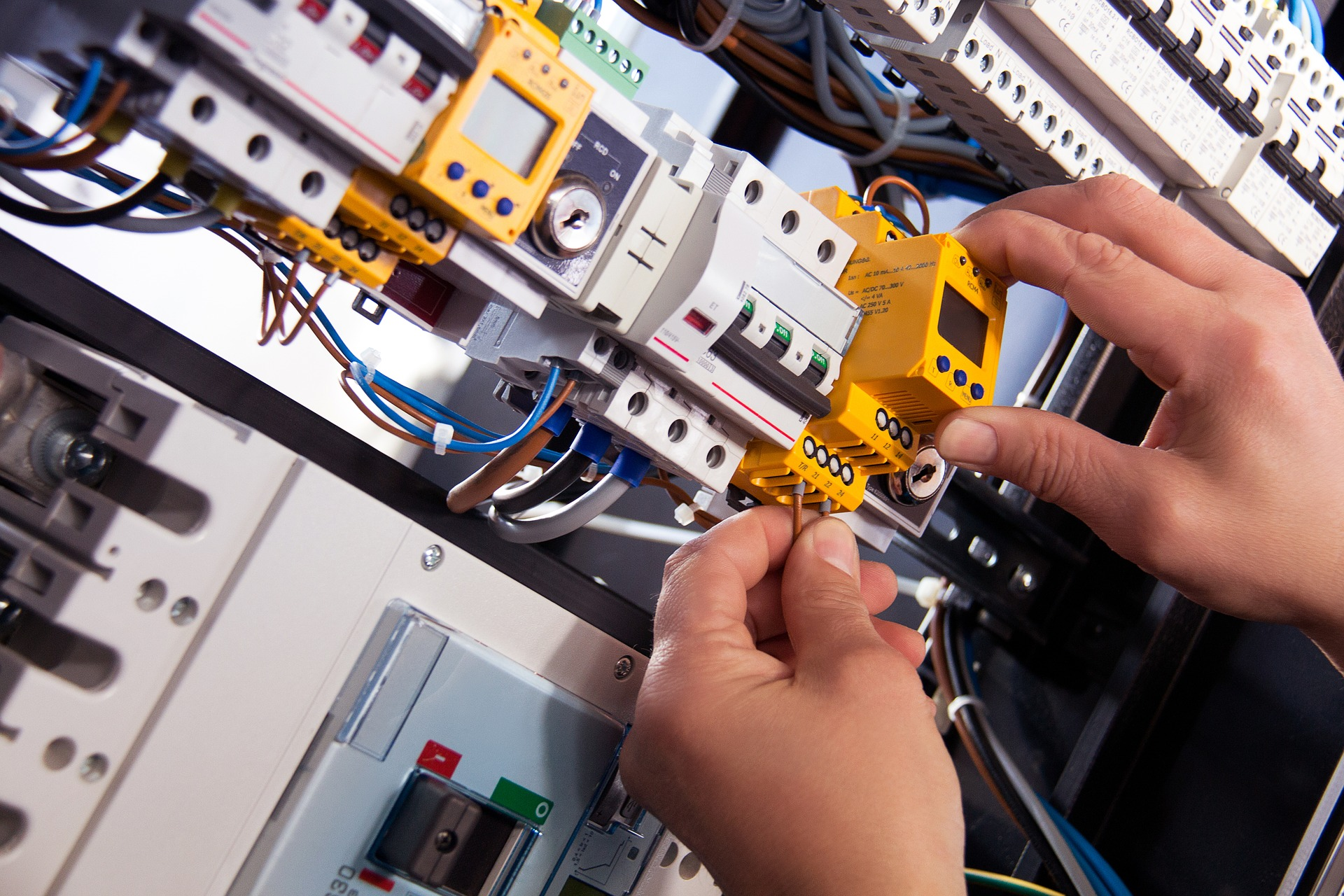 Manufacturers of electrical panels and motor control centres